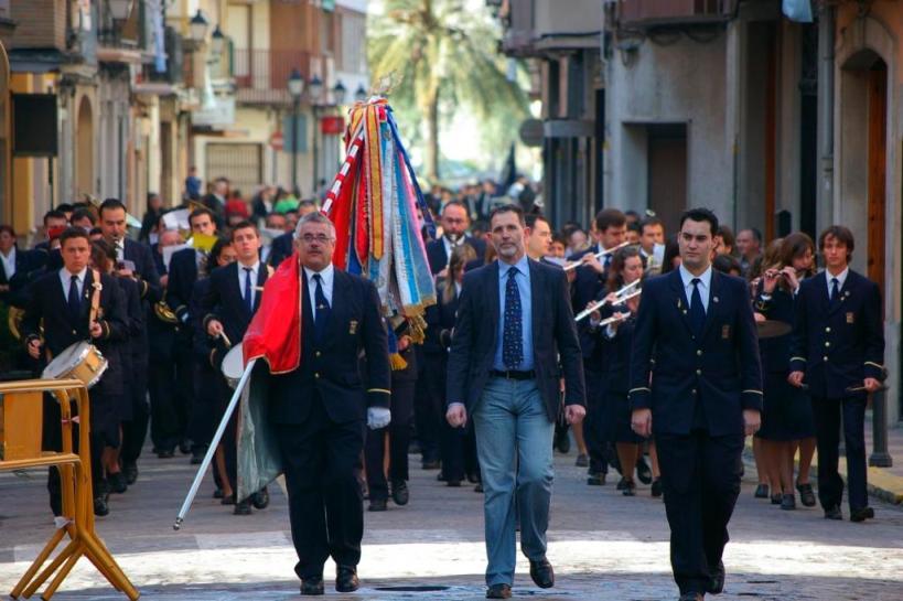 Momento del desfile de Bandas en Cullera 2008