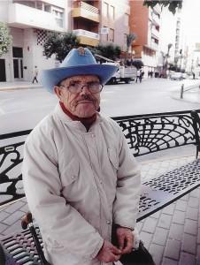 (FOTO 11) Cuantas veces al pasar por Los Parra nos recordaba - Esta noche hay ensayo-